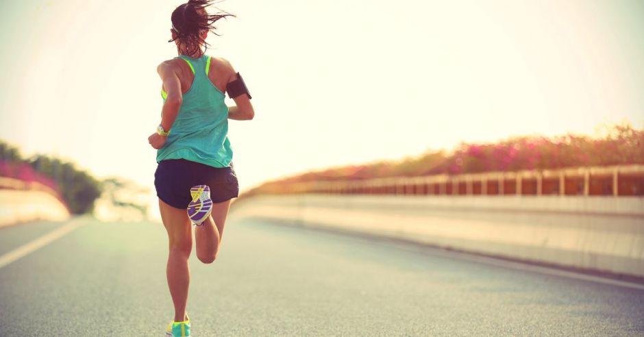 corredora en solitario