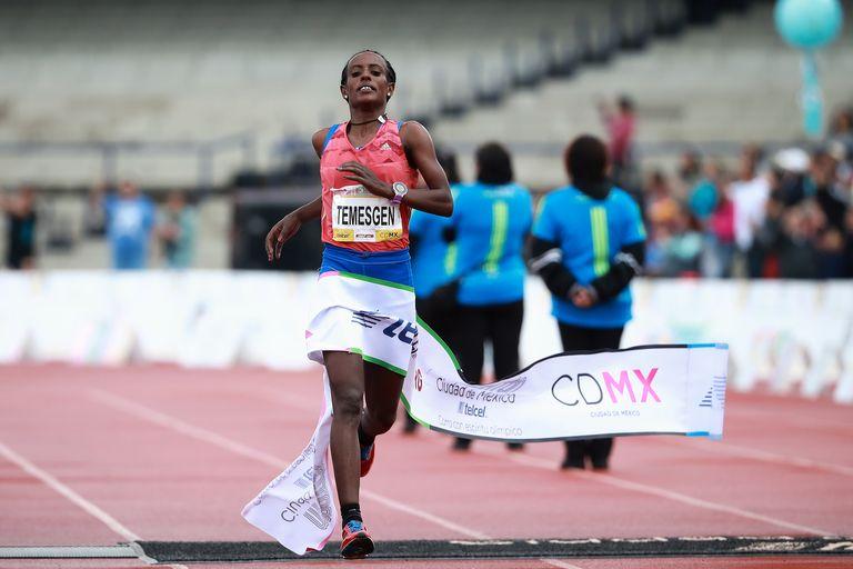 suspendida atleta maraton